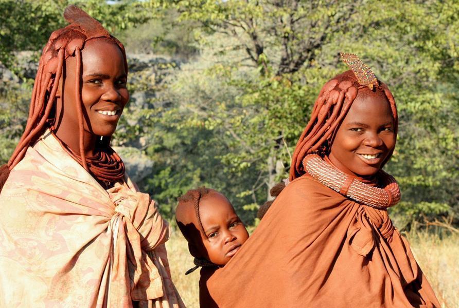 Himba women with baby near Ruacana. (Photo: Karin Theron)