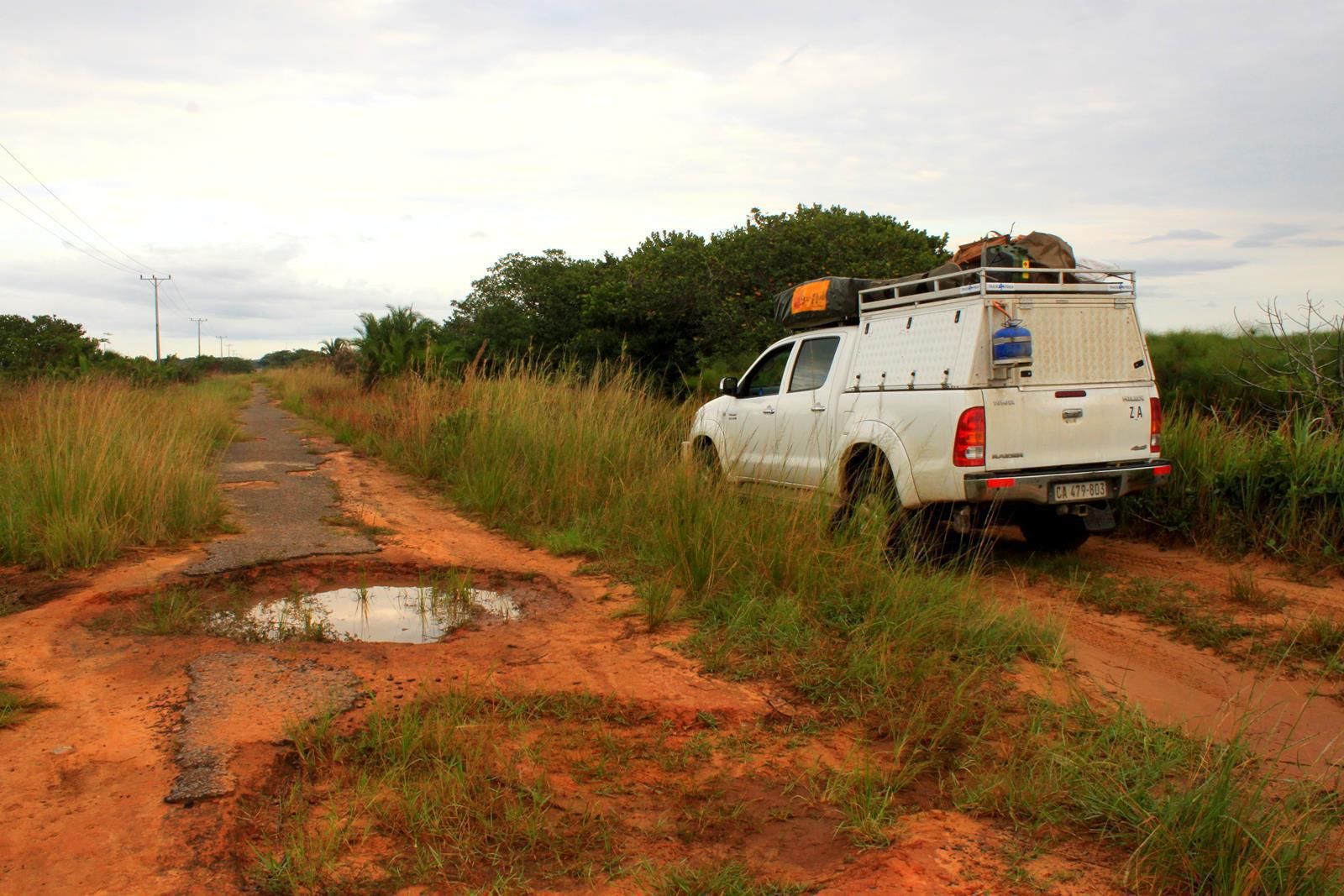 A section of the road from Ponta de Malongane to Maputo.