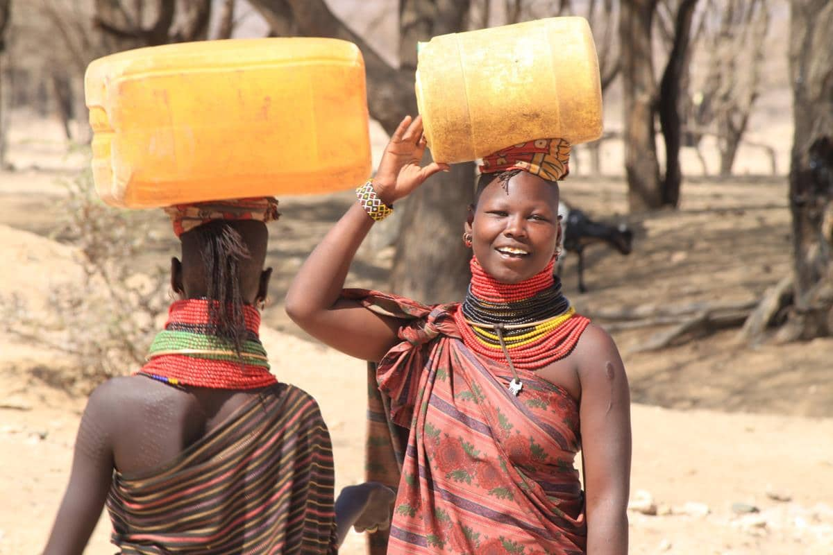 Most of the Turkana women still wear traditional clothing.