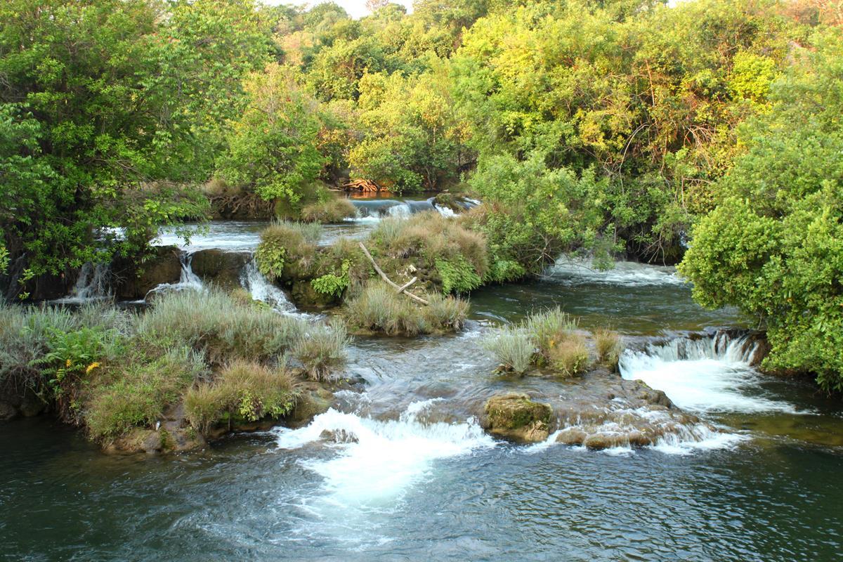 Mutanda Falls.