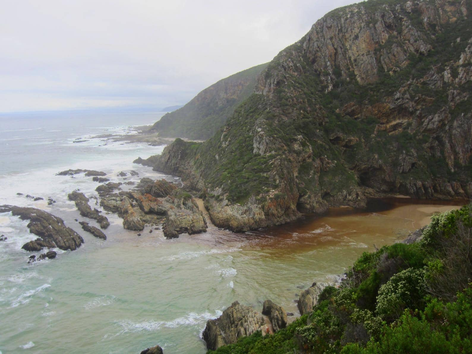 Bloukrans River mouth, the most difficult crossing on the Otter Trail.