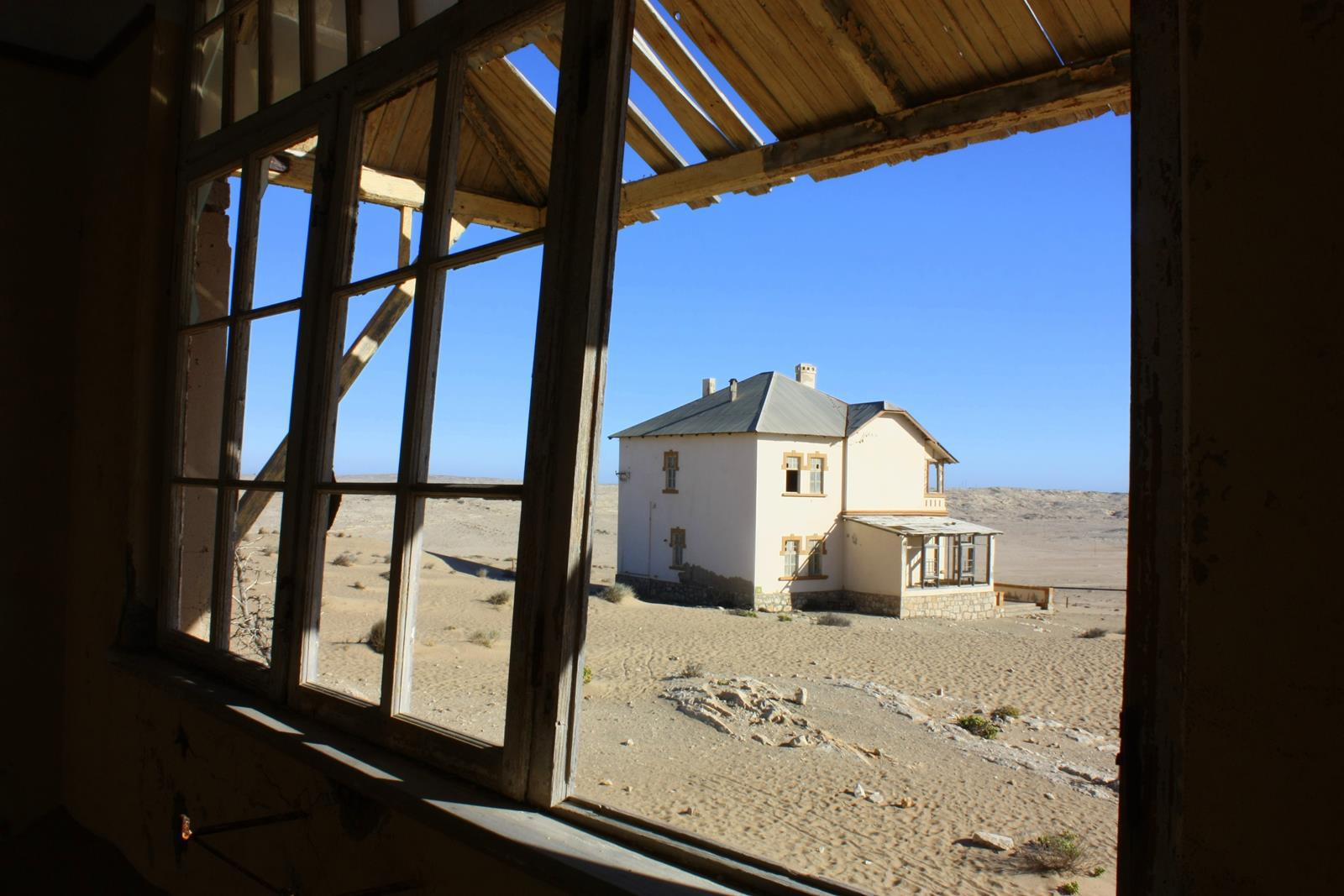The ghost town of Kolmanskop.