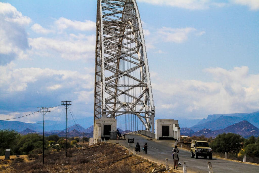 Zimbabwe - Eastern Highlands - Birchenough Bridge - Romi Boom