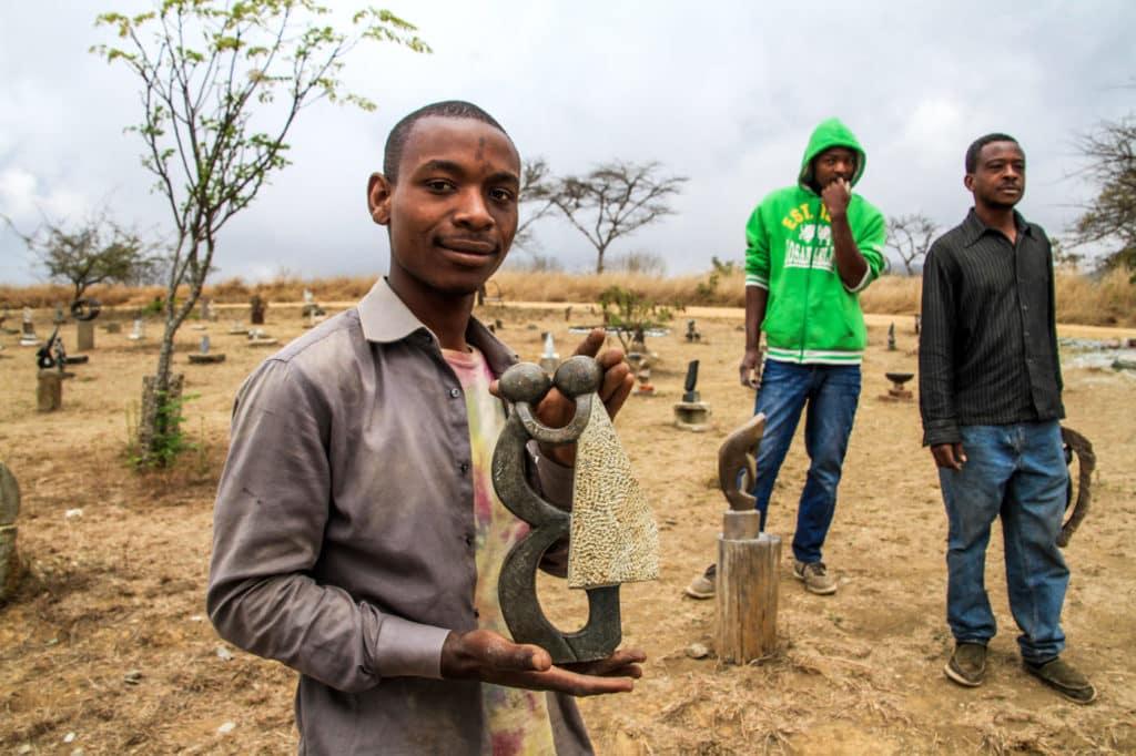 Zimbabwe - Eastern Highlands - stone sculpture - Romi-Boom